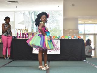 Mini Miss Contestant Theme Wear